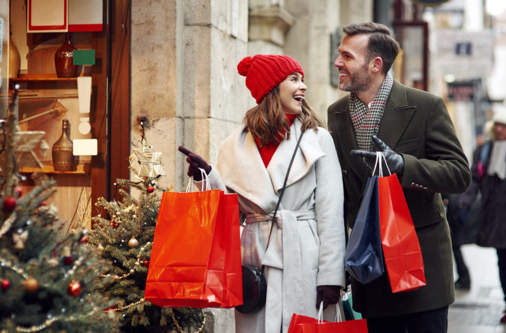 Shoppers to spend £4.4bn with small retailers this Christmas
